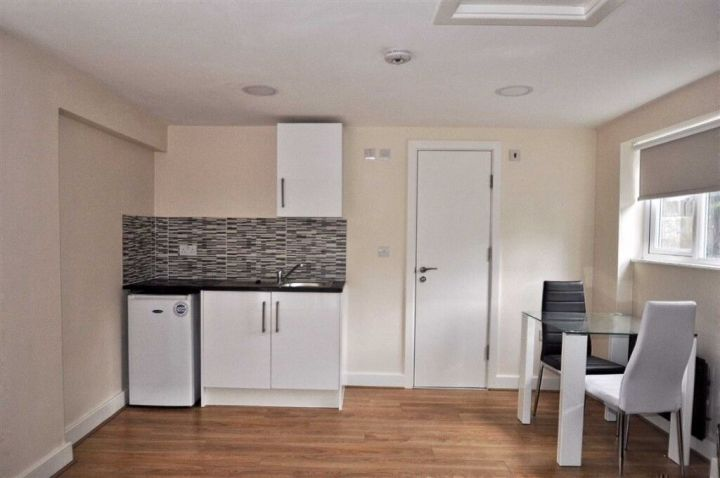 Studio Flat To In Plaistow 700 Part Dss Accepted East Ham London Gumtree