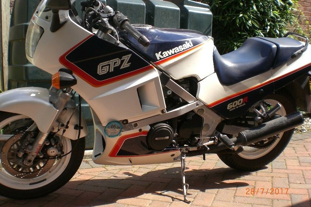 Kawasaki Gpz600r Zx600 A3