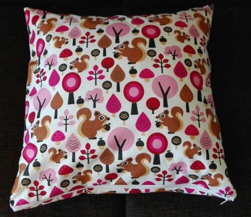 Kissenhülle Kissenbezug 40x40 cm Eichhörnchen pink Kinderkissen Handarbeit