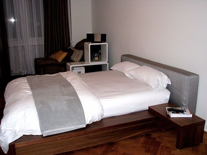 Double Bed Boconcept Free Mattress And 2 Nighstands