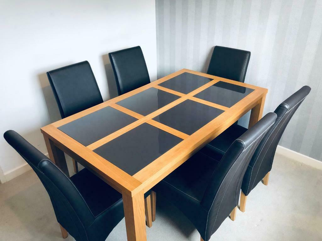 Beautiful Dining Table With X6 Chairs