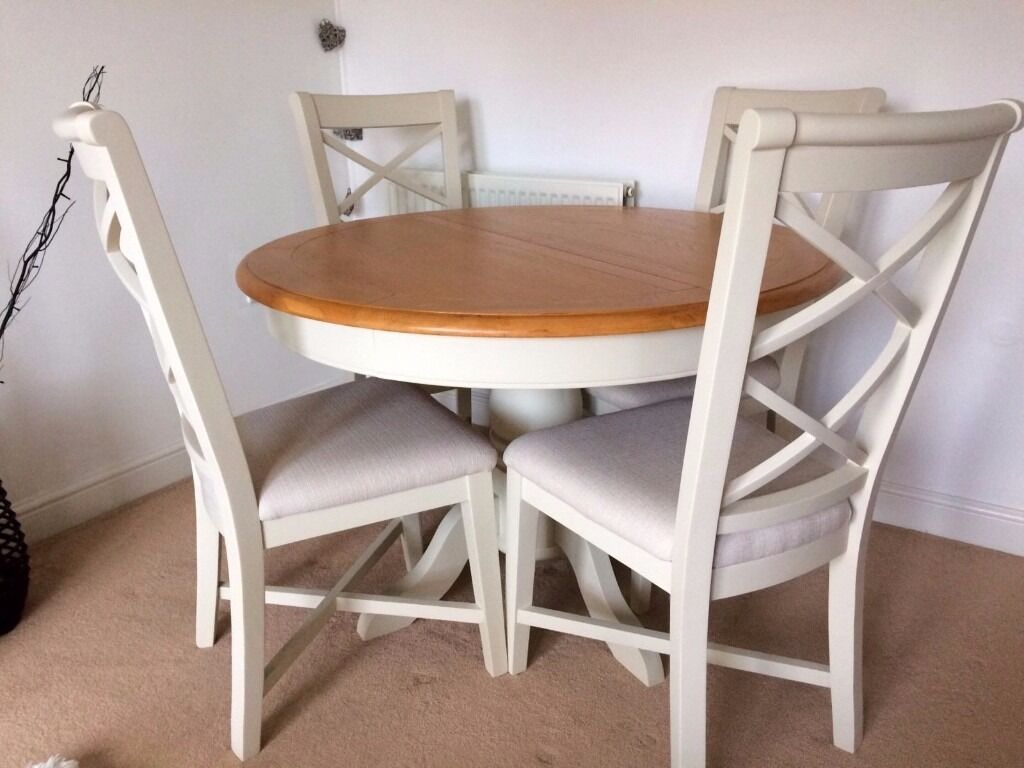 Cargo Hartham Round Dining Table And 4