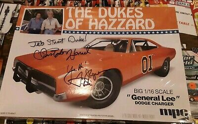 Autographed 1/16 SCALE Dukes of Hazzard GENERAL LEE Dodge Charger MPC Model Kit