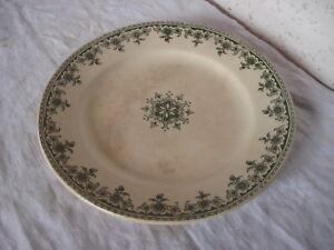 details sur ancienne assiette terre de fer a la paquerette paris