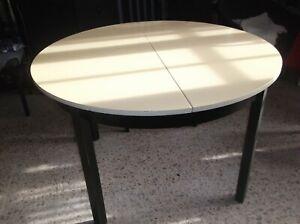 details sur table ronde et ovale avec rallonge avec 6 chaises diametre 110cm et 1 60 ouverte