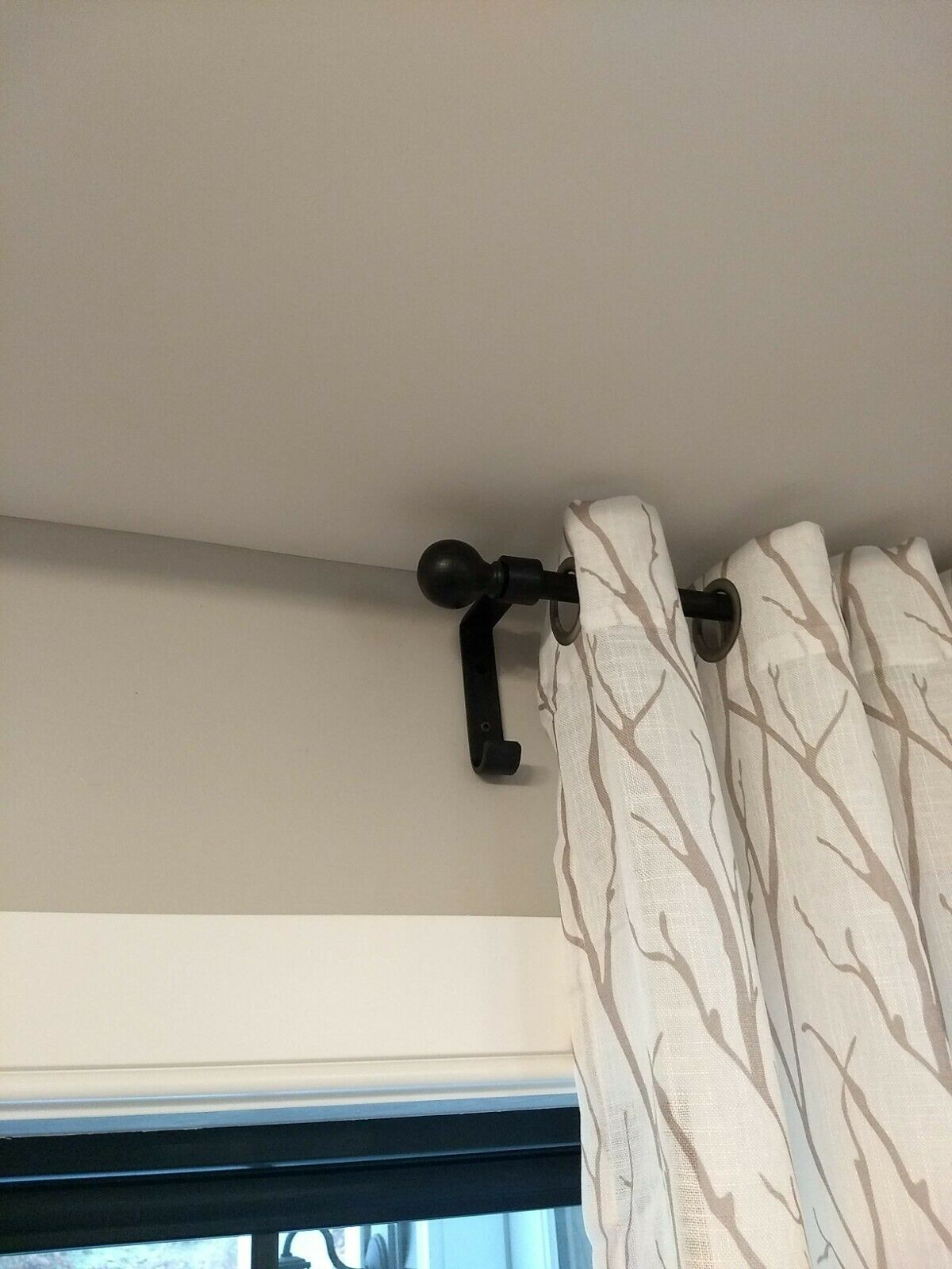 Pottery Barn Black Cast Iron 96 120 Curtain Rod 2 Wood Ball Finials 75 For Sale Online Ebay