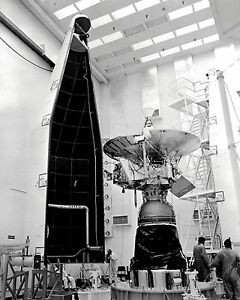 PIONEER 11 SPACECRAFT PRIOR TO LAUNCH IN 1973 - 8X10 NASA ...