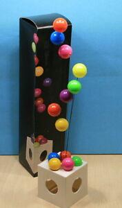 details sur objet de decoration typique annees 70 l envolee de ballons