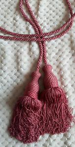 details sur embrasse de rideau avec 2 pompons rose passementerie