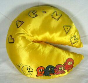 vintage pac man almohada saten amarillo
