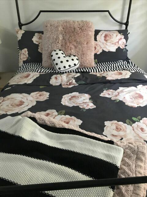 pottery barn teen emily and meritt bed of roses full queen duvet cover two shams