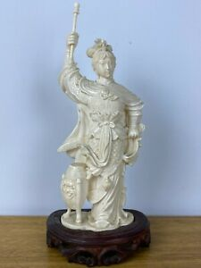 GOOD ANTIQUE CHINESE SCULPTURE WOMEN WARRIOR WITH STAND