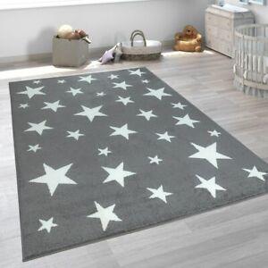 details sur tapis pour enfant chambre d enfant gris anthracite motif etoiles poils ras robus