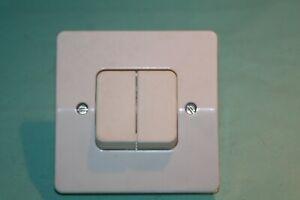 details sur double bouton poussoir pour telerupteur legrand neptune ivoire