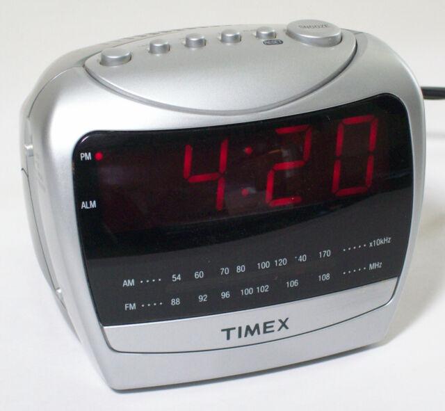 Timex Alarm Clock Radio Am Fm Silver