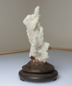 A lovely Qing Dynasty Chalcedony crystal stalactite Scholars Rock( Gongshi)