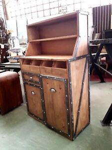details sur meuble de cuisine bois massif