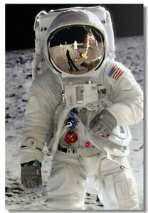 Poster Astronaut on the Moon in Space Earth Planet A Men ...