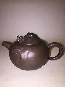 ANTIQUE YIXING ZISHA BEAUTIFUL CHINESE RED CLAY TEAPOT DRAGON HEAD LID