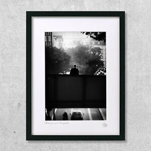 details sur photographie d art cadre 40x30 cm l homme sur le pont noir et blanc