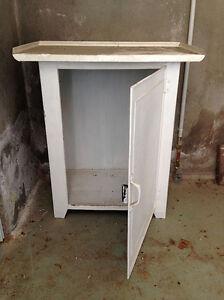 details sur petit meuble en metal des annees 50 s a decaper ou a relooker