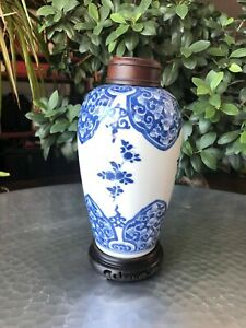 Antique Chinese Kangxi Period Blue & White Floral Ovoid Jar with wooden lid