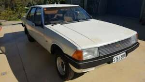 Ford XD Fairmont Rolling Project , White Duco, Suit V8 351 Transplant