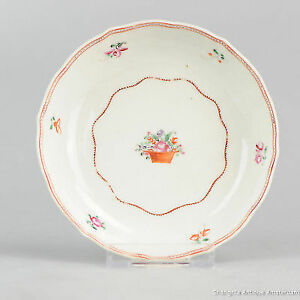 Antique 18th c Chinese Porcelain Famille Rose Dish Saucer Qing Qianlong Period