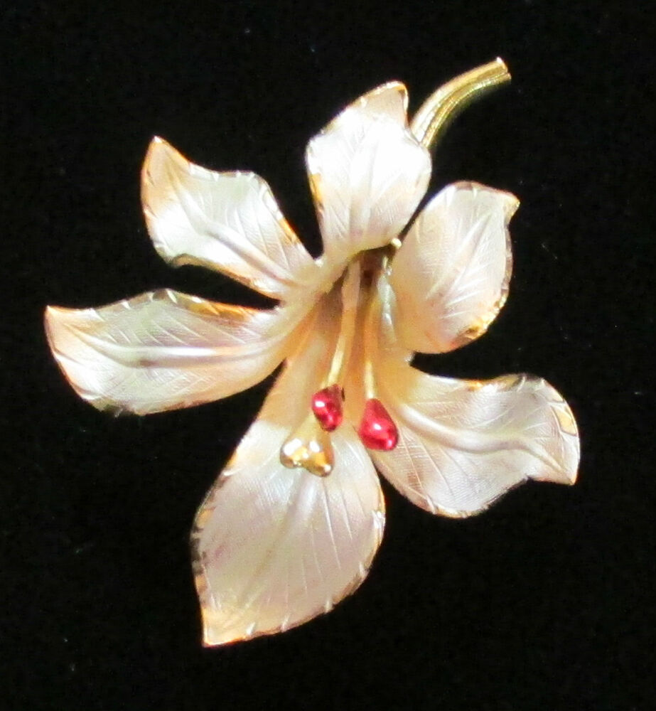 Vintage Costume Jewelry Cerrito White Lily Flower Gold