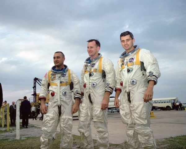 GUS GRISSOM, ED WHITE AND ROGER CHAFFE APOLLO 1 ASTRONAUTS ...