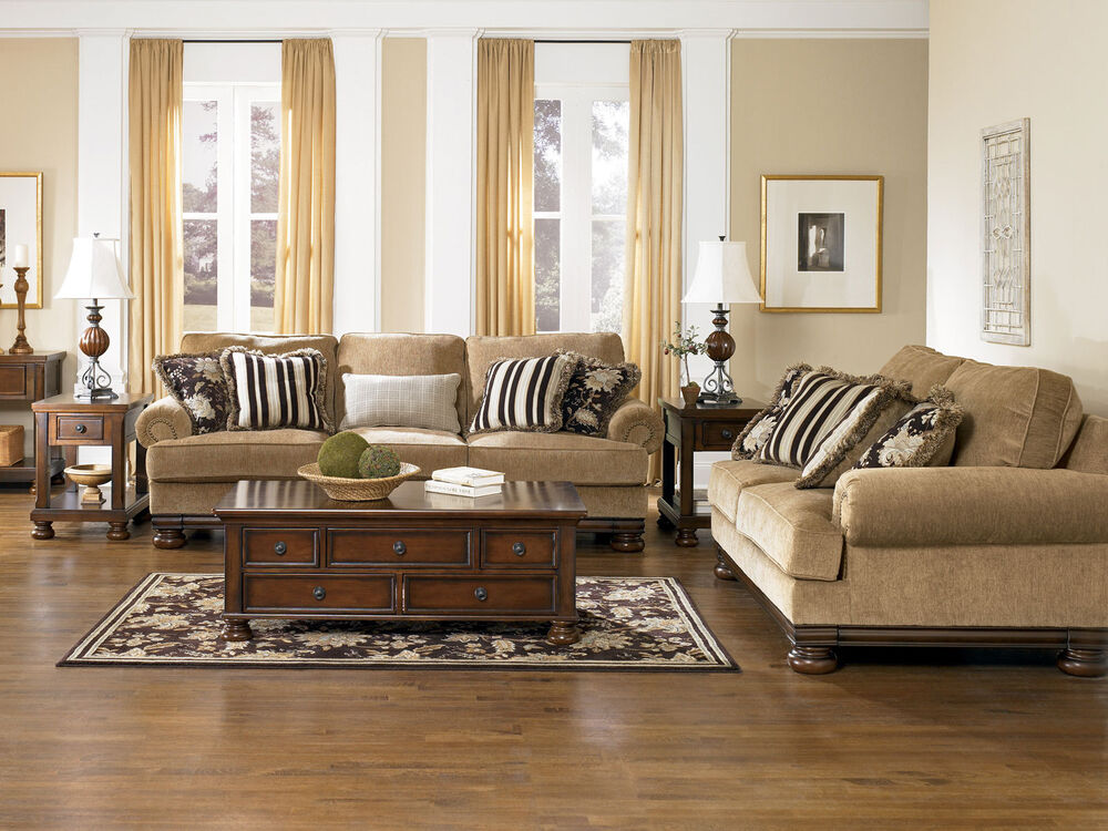 TRADITIONAL WOOD TRIM OVERSIZED SOFA COUCH