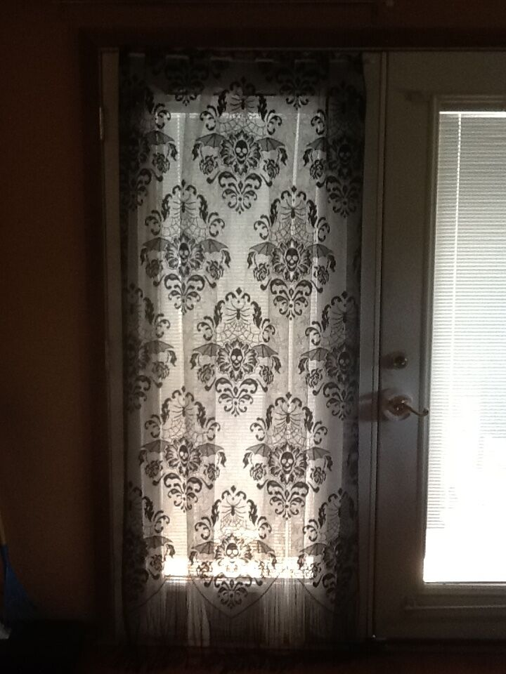 HERITAGE LACE BLACK HALLOWEEN SKULL AND ROSES DOORCURTAIN WITH FRINGE A6 EBay