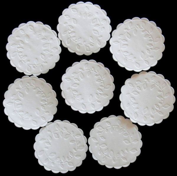 WHITE EMBOSSED SCALLOPED PAPER COASTERS / DOILY CIRCLES 9 ...