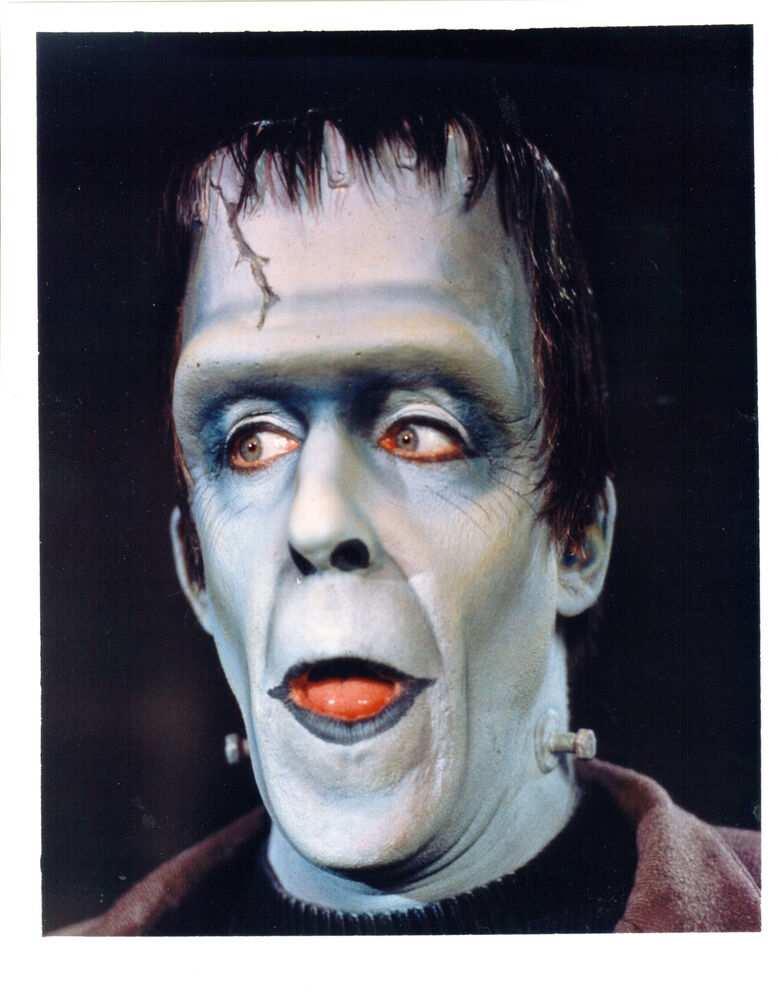 THE MUNSTERS FRED GWYNNE AS HERMAN MUNSTER GREAT PHOTO EBay