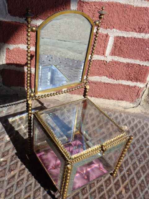 ANTIQUE 19thC VICTORIAN FRENCH BEVELED GLASS MIRROR GOLD