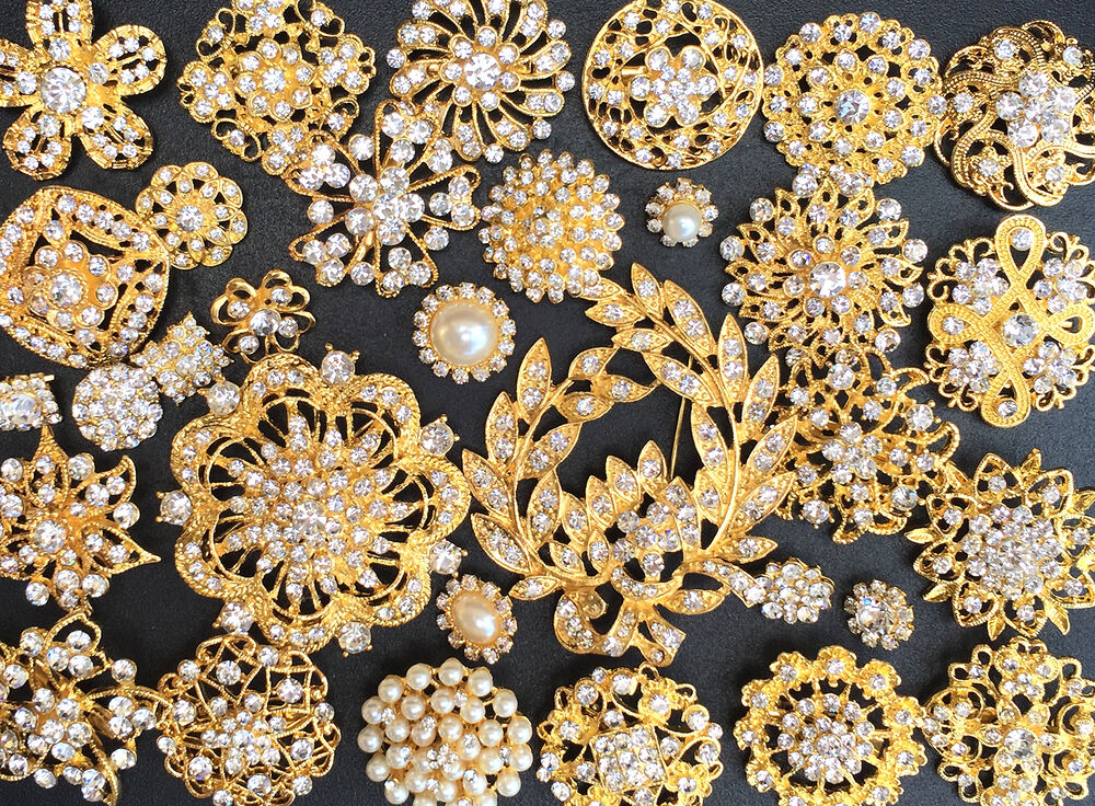 32 Lot Mixed Gold Rhinestone Crystal Button Brooch Pin