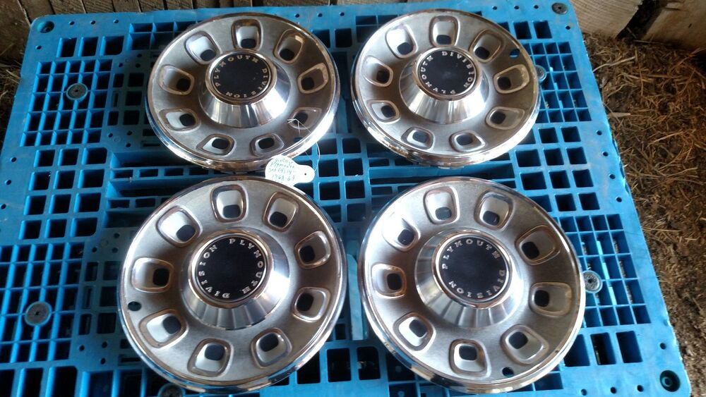 Vintage Plymouth 14 Quot Hubcap Wheel Cover 1968 69 Set Of 4