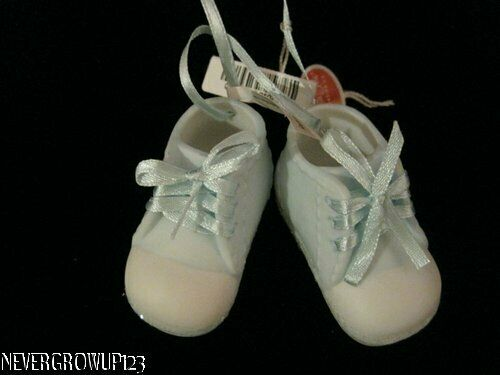 BABYS 1ST CHRISTMAS BOY ORNAMENTCERAMIC BABY SHOES