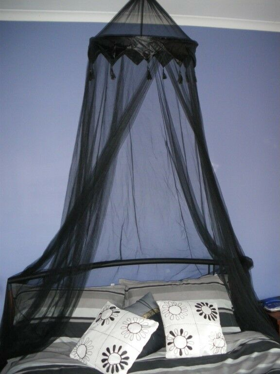 Black Crown Tasselled Bed Canopy Sgle Dble Queen New Ebay