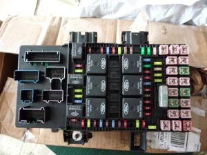 20032006 Ford Expedition  Lincoln Navigator Fuse Box