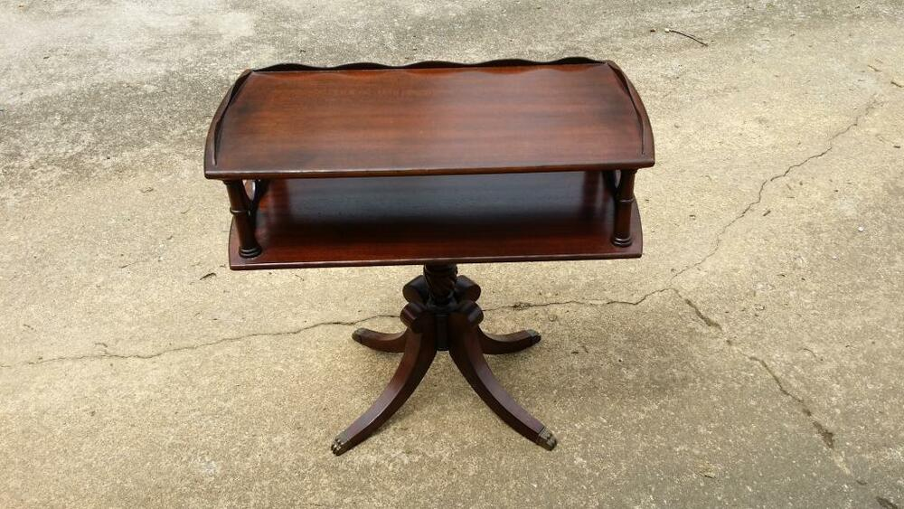 2 Antique Pair Of Duncan Phyfe End Side Accent Lamp Table