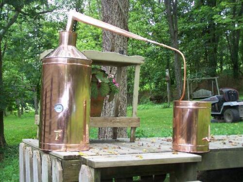 Moonshine Stills, Recipes, etc.   …start your home distilling hobby ...