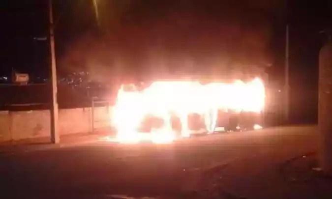 Um dos fogios foi registrado em Varginha, no Sul de Minas.  A região foi mais atacada, com o menor destaque de todos os bandidos (foto: Reprodução da Internet / Whatsapp)
