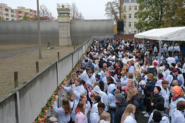 十萬人露天晚會掀高潮 慶柏林牆倒塌30年