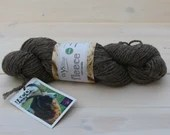 West Yorkshire Spinners - Jacob - British Wool - undyed yarn - Colour: Medium Grey #006 - 100g Aran weight