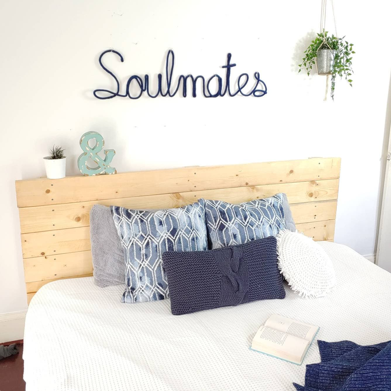Soulmates Sign Bedroom Sign Bedroom Decor Above Bed Decor Master Bedroom Decor Wire Word Wall Art Bedroom Art Bedroom Wall Decor