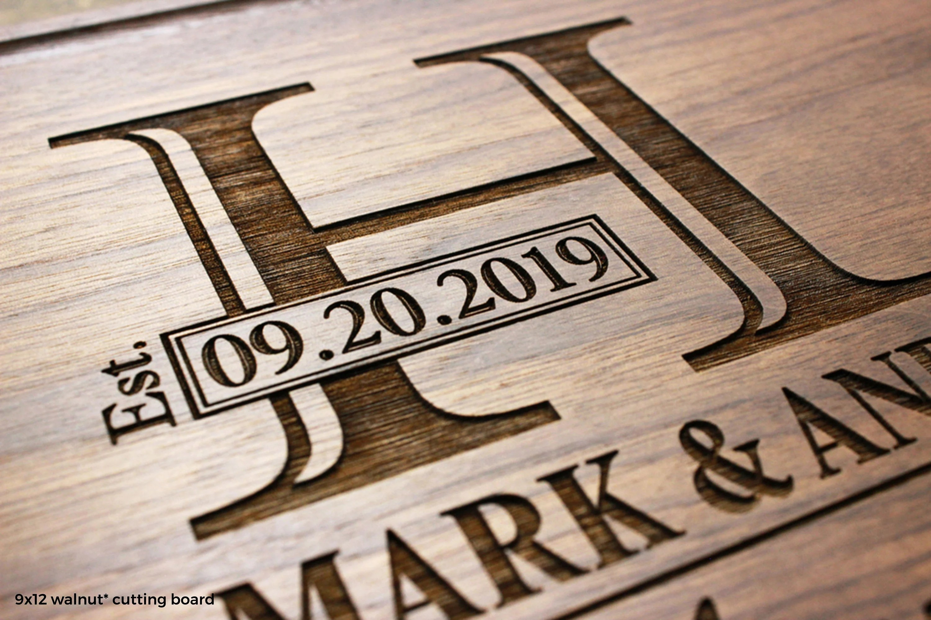 Personalized Monogram Engraved Cutting Board  Wedding image 5