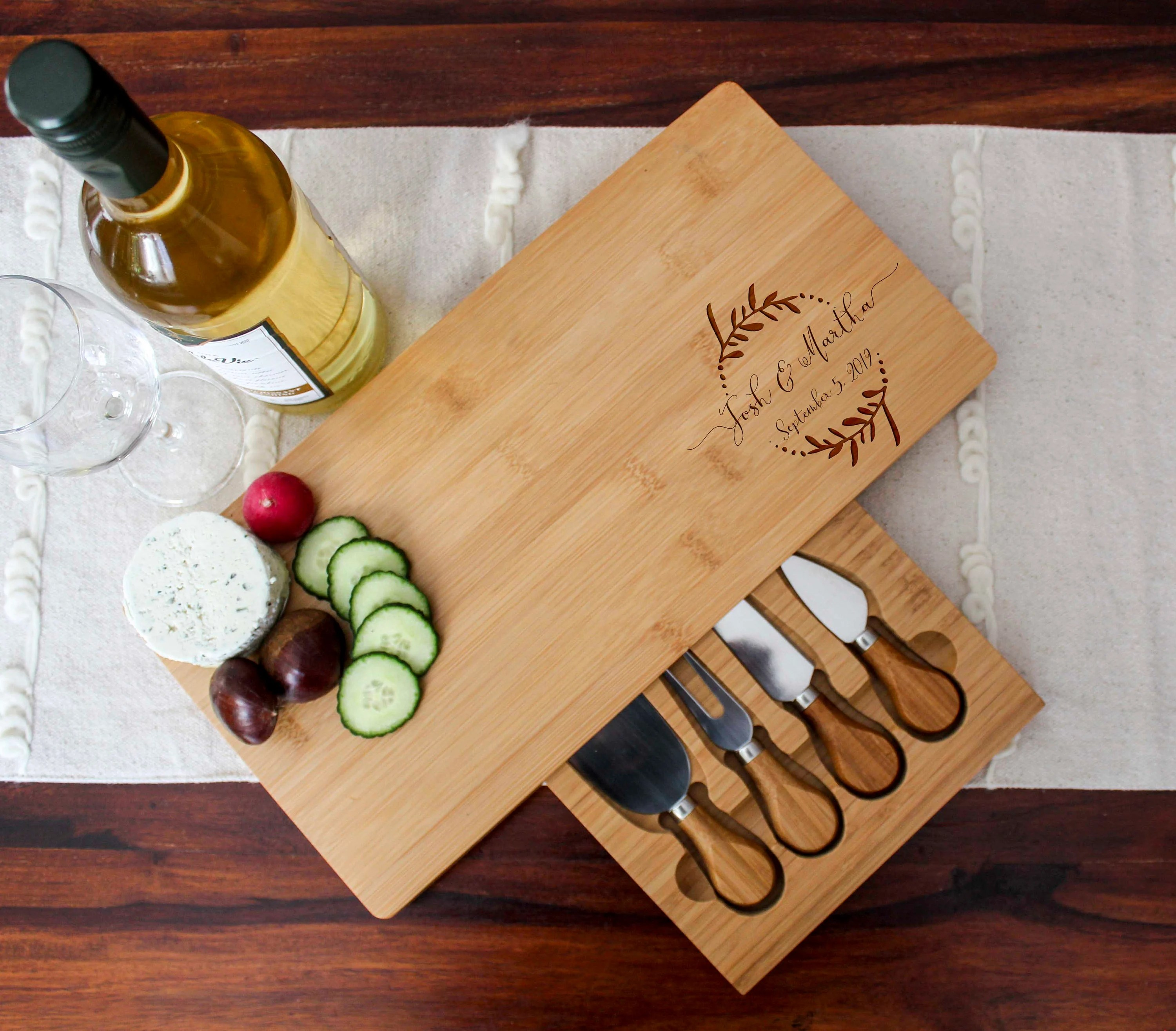 Personalized cheese board set Custom cheese board set image 3