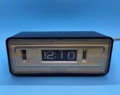 1970's General Electronic Flip Clock - Alarm Clock- Lighted Display - GE- Works Great