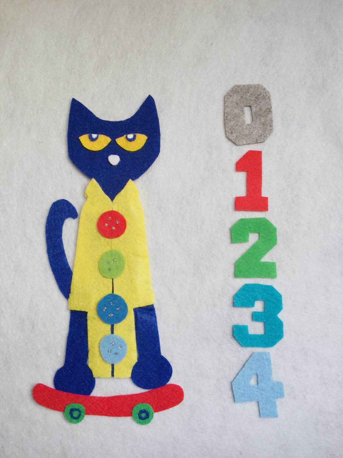 Pete The Cat And His Four Groovy Buttons Felt Board